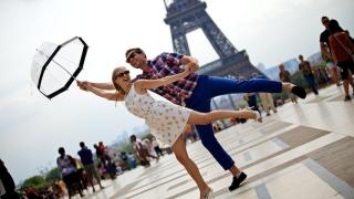 Приходите на Франция от туризъм спадат, но остава световен лидер