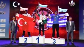 Елбин Ферад спечели златен медал на Световното първенство по канадска борба