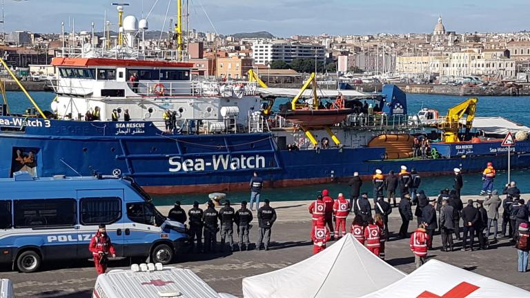Повече от 63 400 мигранти пристигнали по Средиземно море през 2019 година