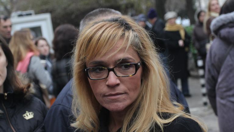 """Иванчева отрича да е слагала подпис под документ на """"Артекс"""""""