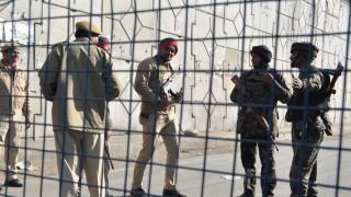 Индийски и китайски войски се замерват с камъни в Хималаите