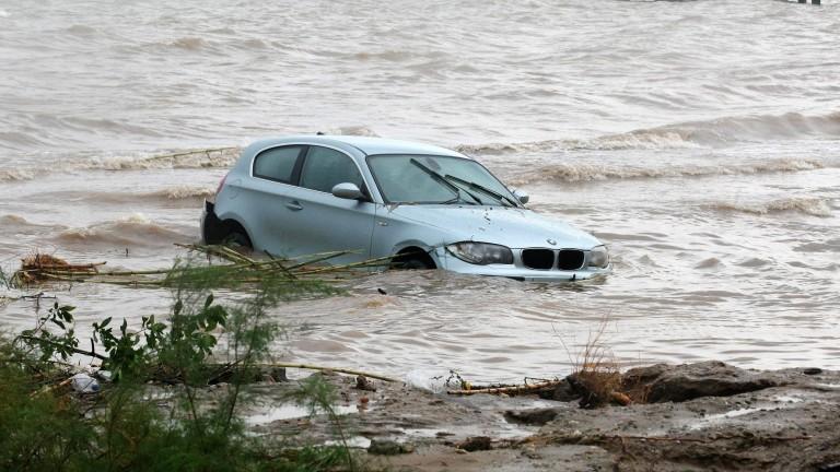 Гърция бедства след поройни дъждове и наводнения