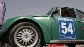 Ретро автомобили се състезават във Варна