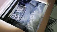 Заловиха 17-годишен, криел дрога във ВиК-инсталация в Хасково