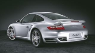 Porsche тества бъдещи модели в зимни условия