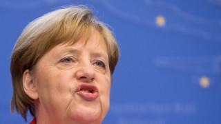 Меркел осигурила споразумения с 14 държави за бързо връщане на мигранти