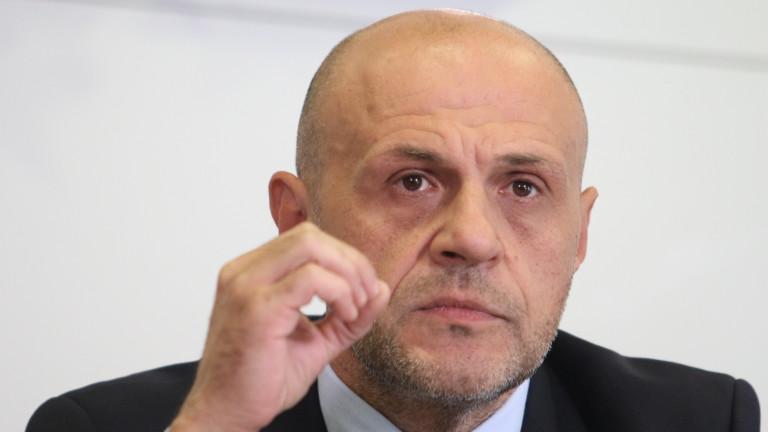 Да се отстранява всеки от властта, за когото има съмнение, настоя Дончев