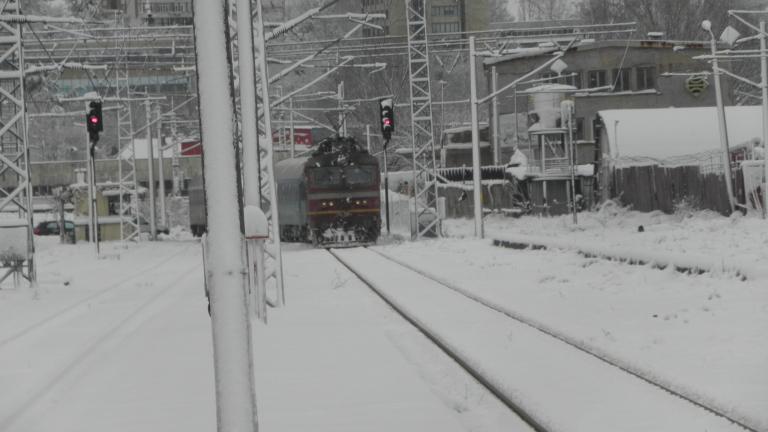 Влакът Самуил-Силистра закъснява с 580 минути