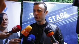Димитър Бербатов отново влезе в ролята на репортер