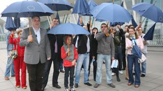 Калфин разпъна чадър срещу тормоза с дипломите