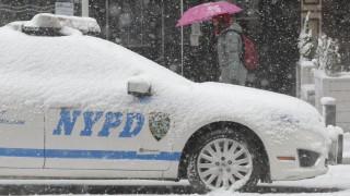 Четвърта за сезона снежна буря удря САЩ