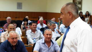 Собствениците на прасета от Пазарджишко спират протестите