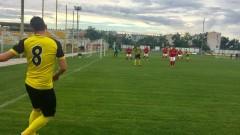 Тодор Неделев: Играхме по-предпазливо срещу Етър, но се получиха нещата