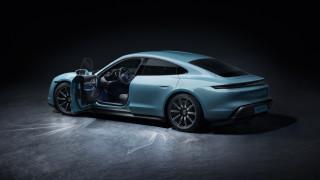 Porsche предизвика Tesla