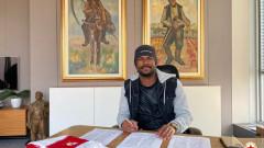 Универсален футболист подписа нов договор с ЦСКА