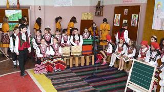 Интелектуалци пишат на депутатите за въвеждане на вероучение в училищата