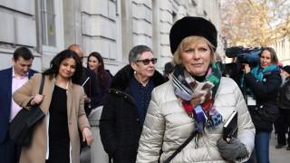 Трима депутати напускат Консервативната партия на Тереза Мей