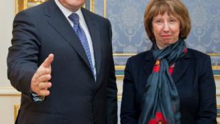 Аштън и Янукович разговаряха 3 часа и половина
