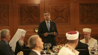 Плевнелиев: Единството на нацията се гради върху подкрепата на всички общности