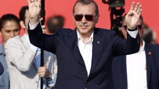 Одобрението за Ердоган скочи с над 20% след пуча