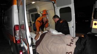 Трима с опасност за живота след зверска катастрофа