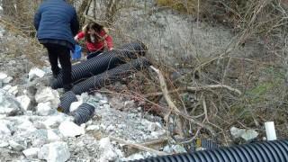 Двама души в ареста за замърсяването с цианиди на река Юговска и Чепеларска