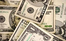 Доларът с ново рали към основните валути