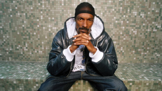Snoop Dogg забива с музиканти в София