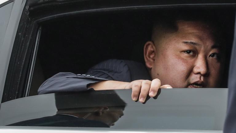 Си Дзинпин с послание към Ким Чен-ун