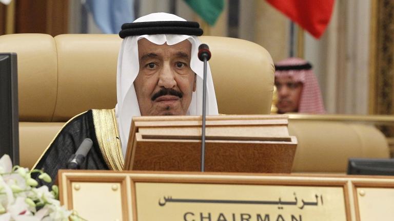Как Саудитска Арабия превърна петрола в свое оръжие