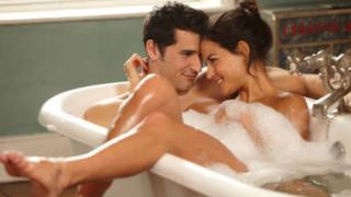 Ученички откриха най-опасната поза в секса