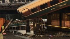 Няколко жертви в САЩ след падане на влак от мост върху магистрала