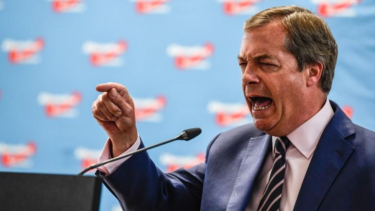 """Фараж: Сделката за Брекзит е """"най-лошата в историята"""""""