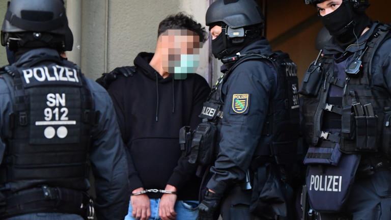 Германската полиция съобщи, че е арестувала единия от близнаци от