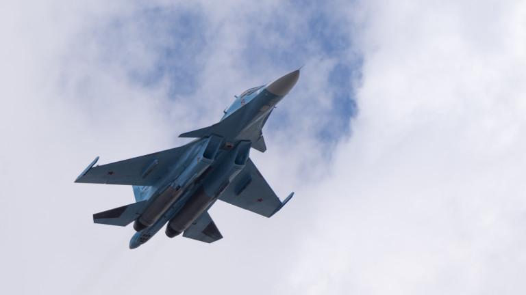 Руски изтребител Су-30 е пресрещнал два изтребителя Dassault Mirage 2000