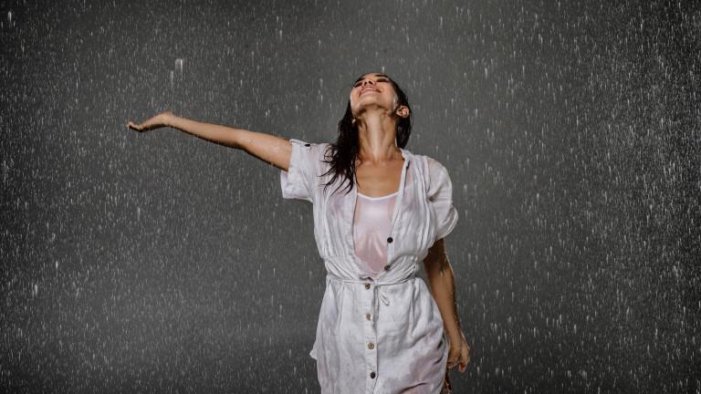 На какво ухае дъждът