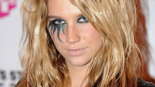 Звездите в подкрепа на певицата Кеша