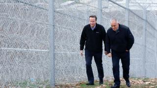 Камерън хвали оградата ни по турската граница