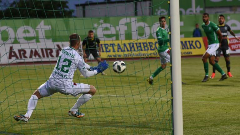 Отборът на Левски проявява интерес към вратаря на Берое -