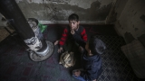 Деца бежанци в Турция произвеждат дрехи за Великобритания