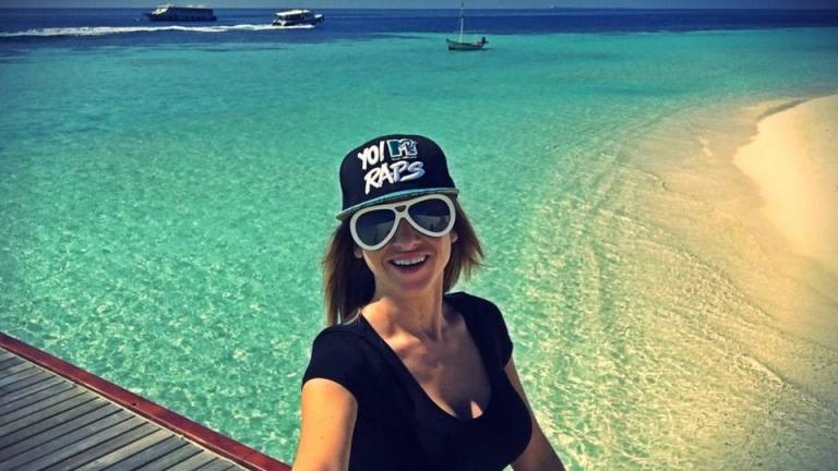 Алекс Раева се потопи в Малдивите (СНИМКИ)