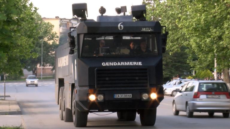 Засилиха охраната на посолствата на Русия и Германия у нас
