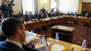Защо Косово да може, а Крим – не, пита Сидеров, бесен на Вигенин