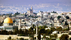 """Благодатният огън слезе в църквата """"Възкресение Христово"""" в Йерусалим"""