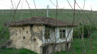 Британци и руснаци пълнят добричките села