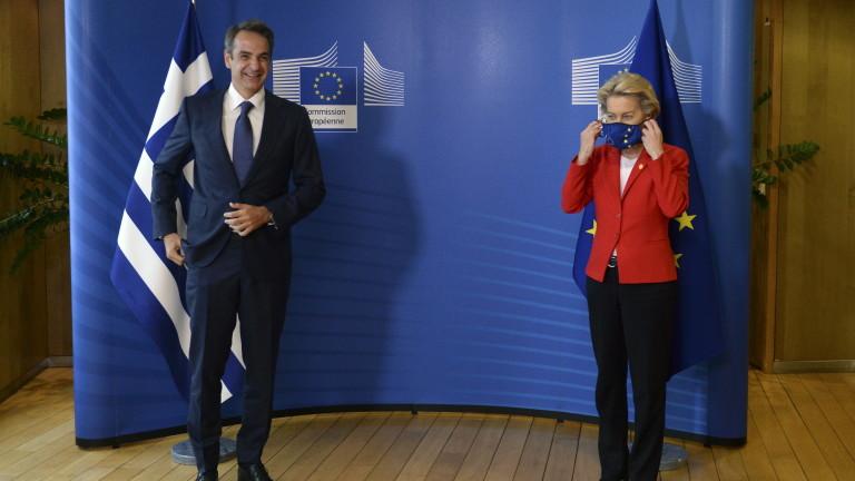 """Гърция иска от ЕС """"ваксинационен сертификат"""" за всички в Европа"""