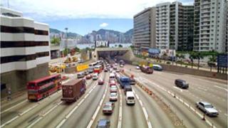 Автомобилно меле на магистрала в Китай