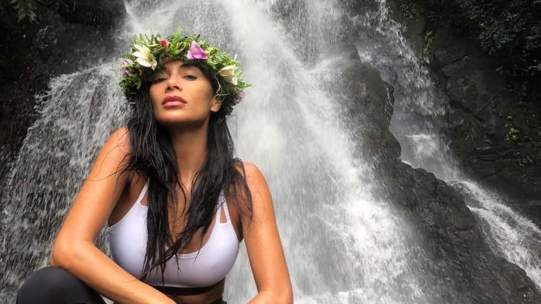 Никол Шерцингер и хавайските ѝ приключения