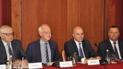 Бисер Петков отхвърля идеята болничните да не се заплащат