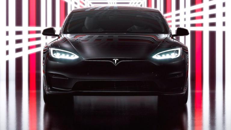 Илън Мъск представи най-бързата електрическа кола в света (Видео)